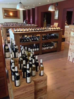 Um espaço top e ênfase nos vinhos pontuados