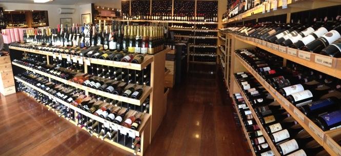 Apesar das diferentes propostas, os dois endereços compartilham a seleção criteriosa de vinhos para consumidores exigentes
