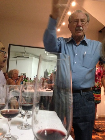 Rinaldo se entusiasma ao falar da produção de vinho no Rio Grande do Sul