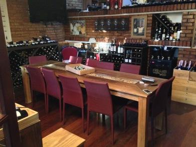 Amigos à mesa em uma ocasião especial: Chateau Mouton Rothschild 2004, Villa Matarazzo 2008 e D'Oliveira Madeira 1929
