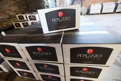 Casa em ordem: caixas preparadas para sair da vinícola. (foto: Gabriela Di Bella)