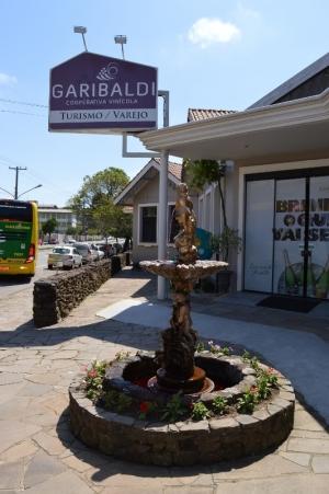 Entrada da Cooperativa Garibaldi, pela rua central da cidade. Só não é mais fácil de achar porque o GPS não entende bem....