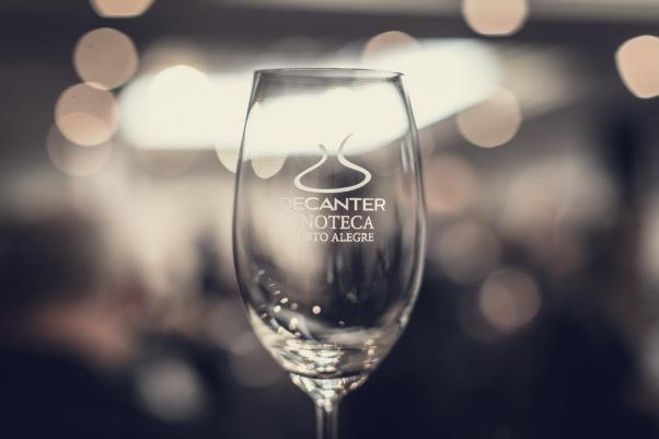 Decanter e Armazém dos Importados organizaram um dos melhores eventos do ano: 150 vinhos, 90 produtores, 18 países.