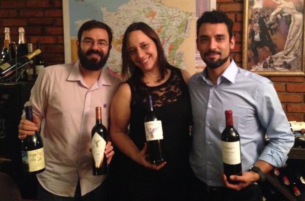 Este blogueiro, a enóloga Maria Amélia e o enólogo da Viña Montes.