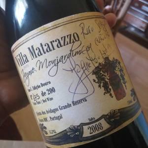Garrafa autografada opor Jayme.